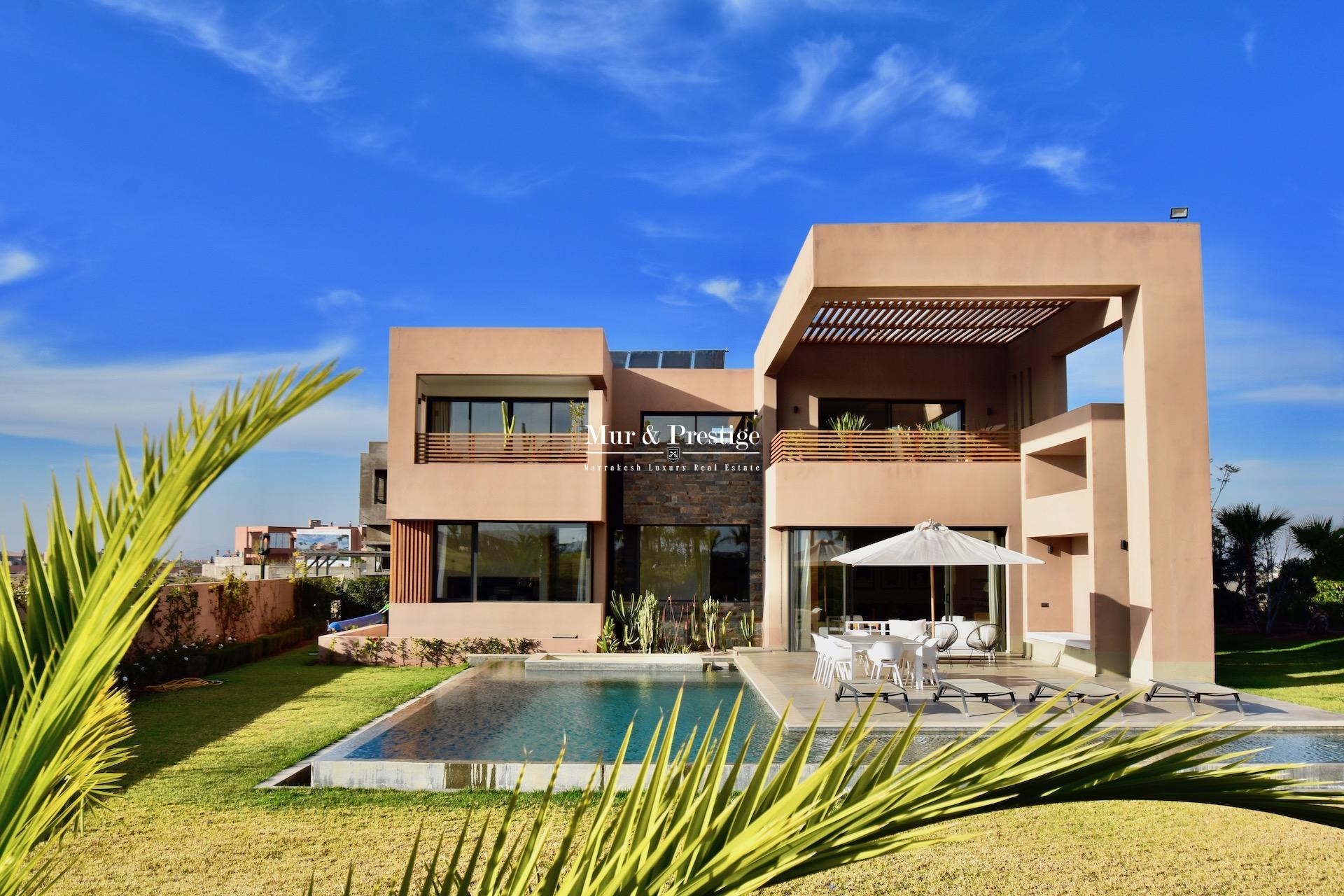 Agence immobilière Marrakech – Villa à vendre en front de golf à Amelkis