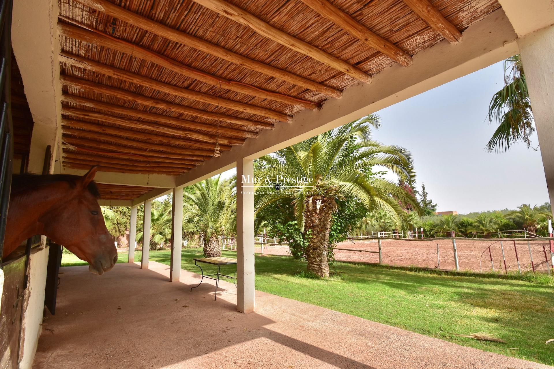 Maison avec clairière et box à chevaux à vendre à Marrakech