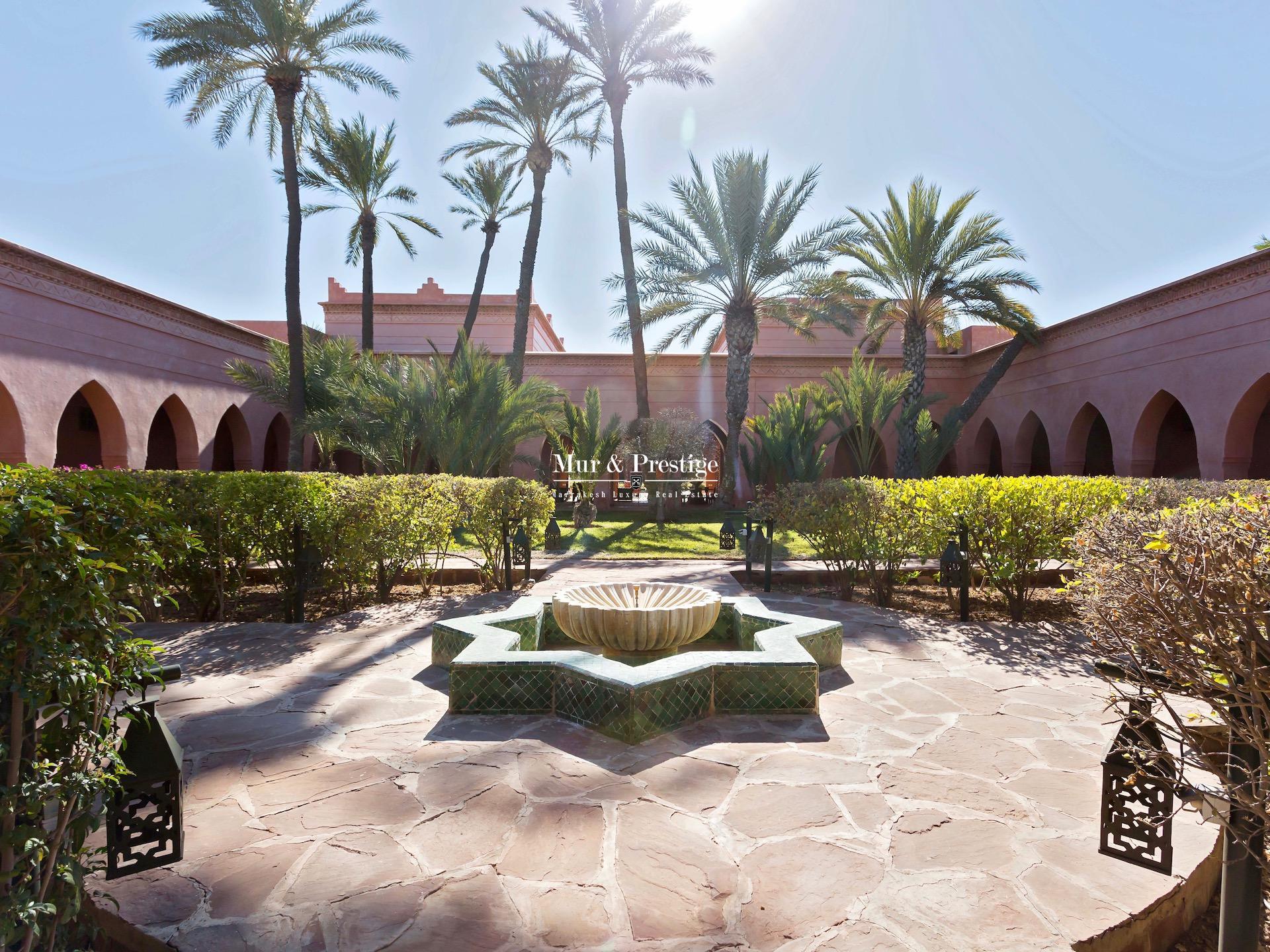 Maison signée Charles Bocarra à vendre à Marrakech