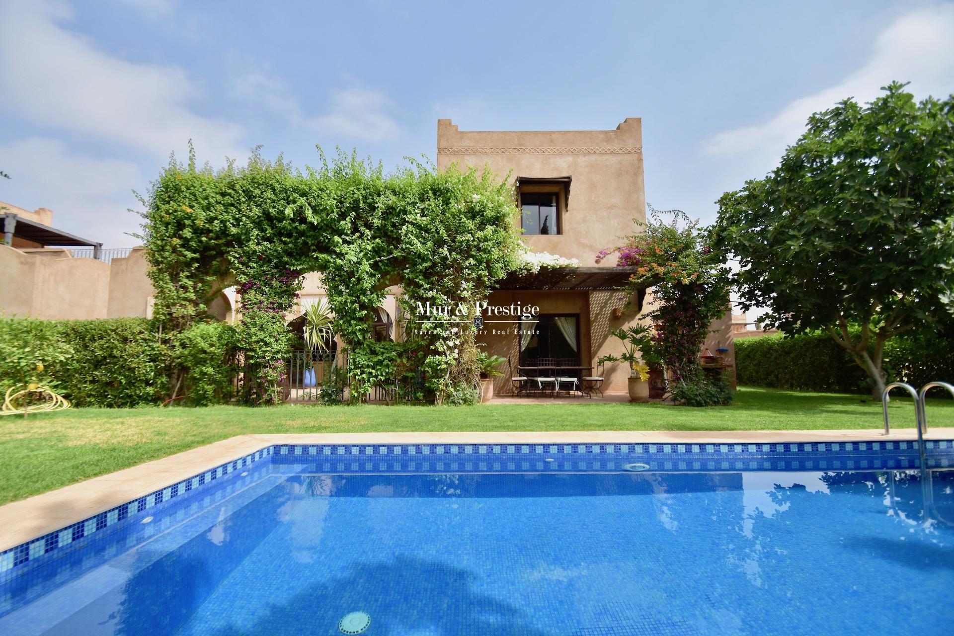 Agence Immobilière à Marrakech - Charmante Villa à vendre
