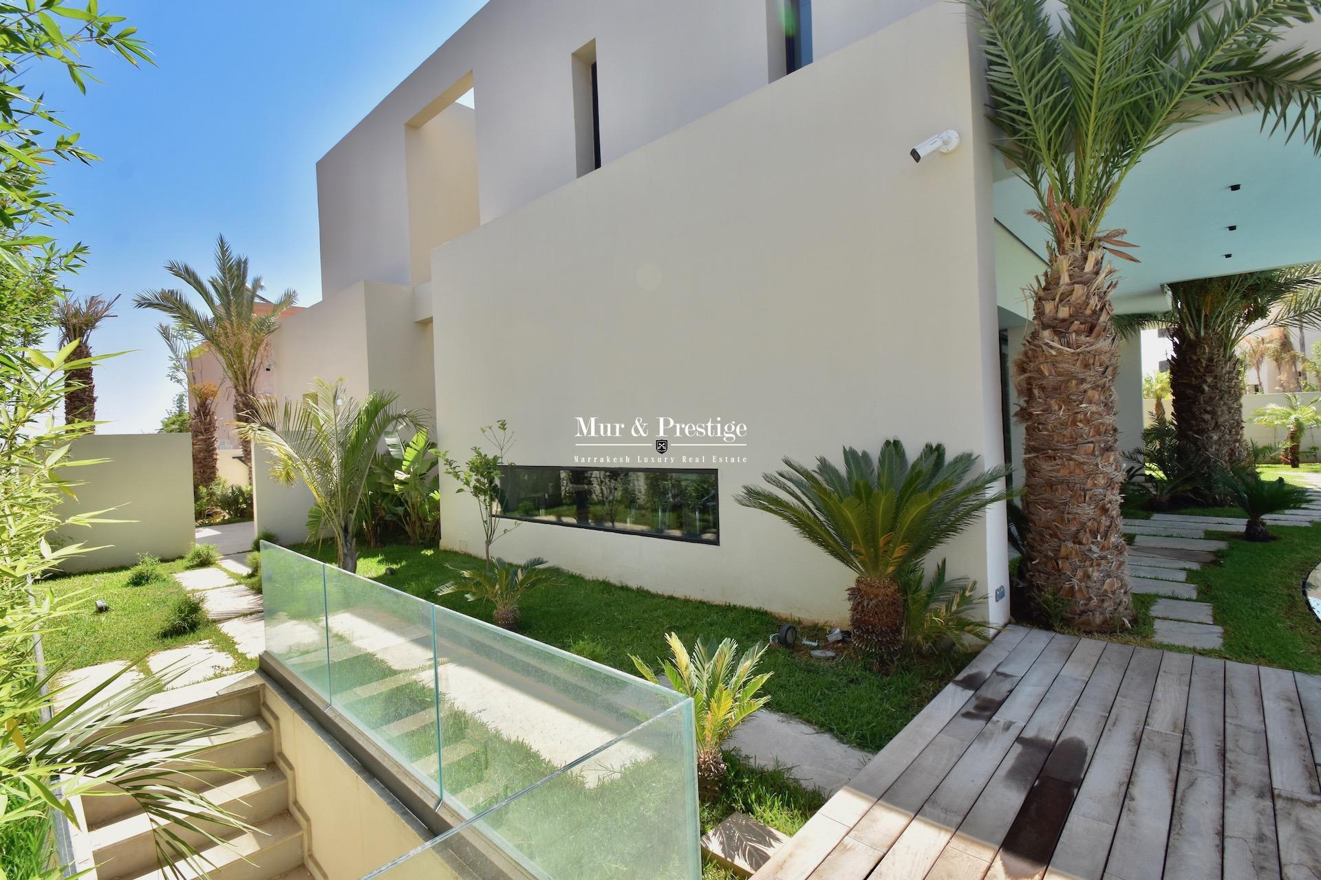 Agence Immobilière à Marrakech - Maison en Front de Golf à Vendre