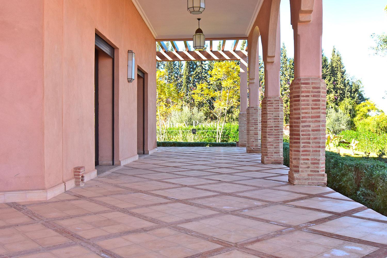 Villa en vente route de Ouarzazate a Marrakech